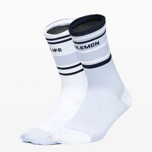 Lululemon Tale to tell crew sock 2 pack M/L